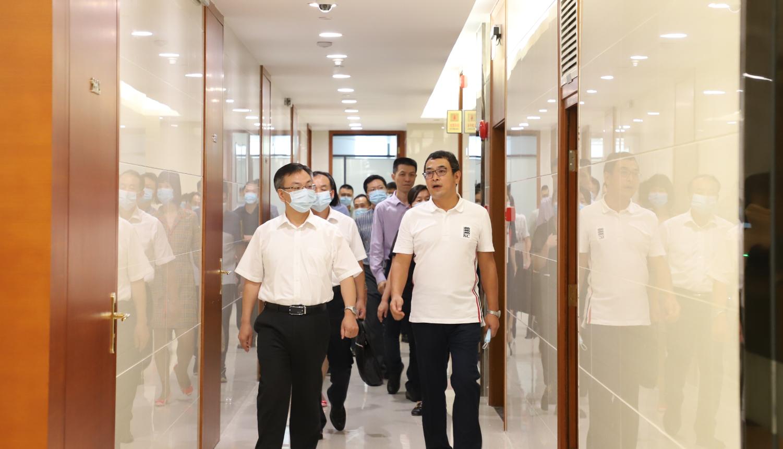 广州市天河区区长谭明鹤一行莅临锐博集团总部指导工作